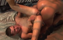 Two horny prisoners have sex