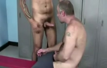 Bear takes raw cock in the ass