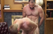 Twink assfucked by a bear bareback style
