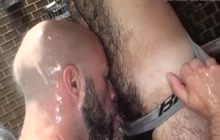 Bareback fuck in the shower